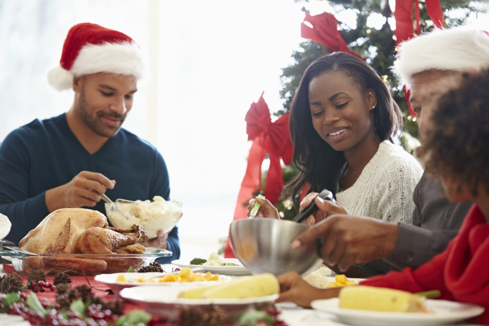 Mom's Secrets to Surviving the Holidays with Difficult Relatives | Laval Families Magazine | Laval's Family Life Magazine