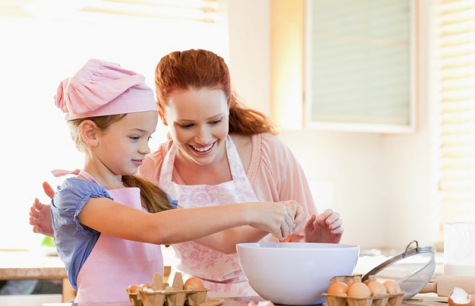 Why Parents Should Teach Their Kids to Cook | Laval Families Magazine | Laval's Family Life Magazine