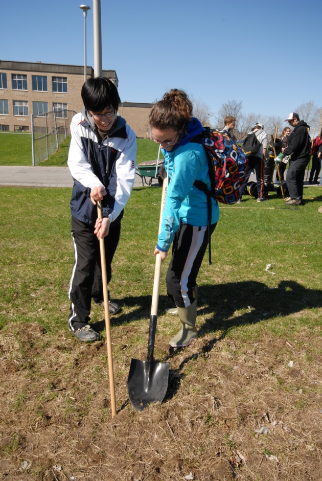 Community Garden | Laval Families Magazine | Laval's Family Life Magazine